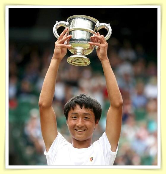 望月慎太郎の兄弟もテニス選手!姉は慶應大学生?【画像】