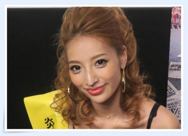 【画像】加藤紗里の母親が美魔女できれい!仲良し写真や年齢も!