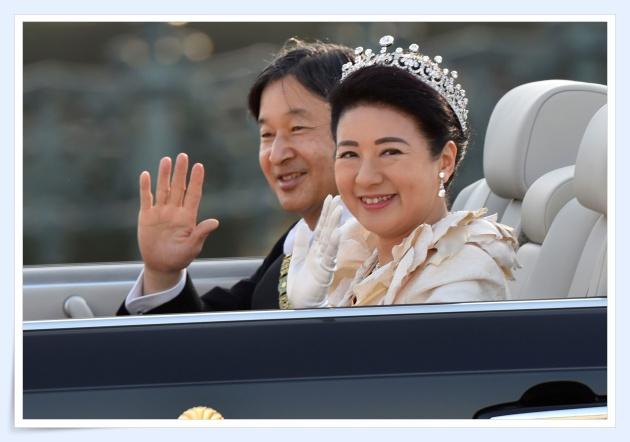 皇后陛下雅子さまのティアラのブランドは?ドレスのデザイナーも!